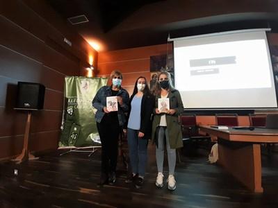 Lee más sobre el artículo Encuentro de Sofía Parra con estudiantes